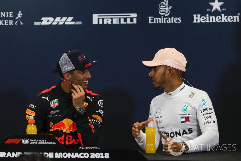 Daniel Ricciardo, Red Bull Racing, Lewis Hamilton, Mercedes-AMG F1