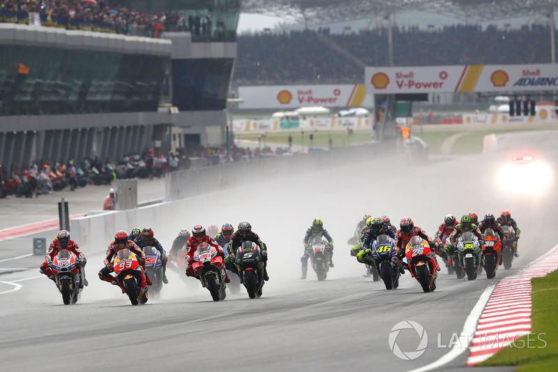 10. Marc Marquez and Andrea Dovizioso lead into first corner