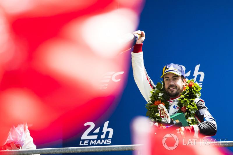 Ganador de la carrera Fernando Alonso, Toyota Gazoo Racing