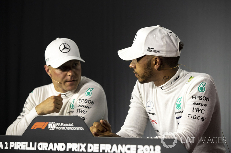 Valtteri Bottas, Mercedes-AMG F1 and Lewis Hamilton, Mercedes-AMG F1 in the Press Conference