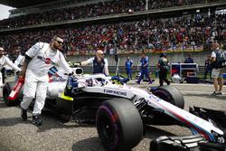 Sergey Sirotkin, Williams FW41 Mercedes, arrives on the grid