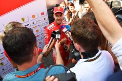 Sebastian Vettel, Ferrari praat met de media