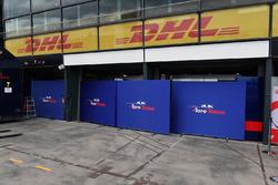 Scuderia Toro Rosso garage screens