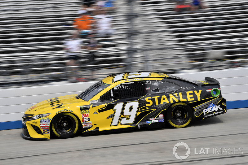 7. Daniel Suarez, Joe Gibbs Racing, Toyota Camry STANLEY