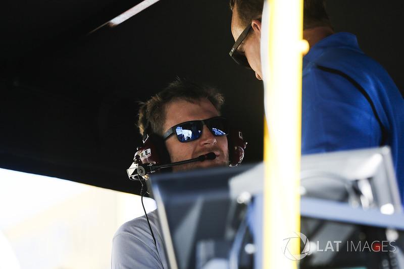 Peyton Manning and Dale Earnhardt Jr on the Alex Bowman, Hendrick Motorsports Chevrolet Camaro pit b