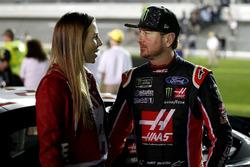 Kurt Busch, Stewart-Haas Racing Ford Fusion avec sa femme