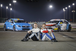 Тед Бьорк, Polestar Cyan Racing, Volvo S60 Polestar TC1, и Том Чилтон, Sébastien Loeb Racing, Citroën C-Elysée WTCC