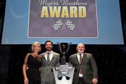 Myers Brothers Award 2017: Martin Truex Jr., Furniture Row Racing Toyota, und Freundin Sherry Pollex