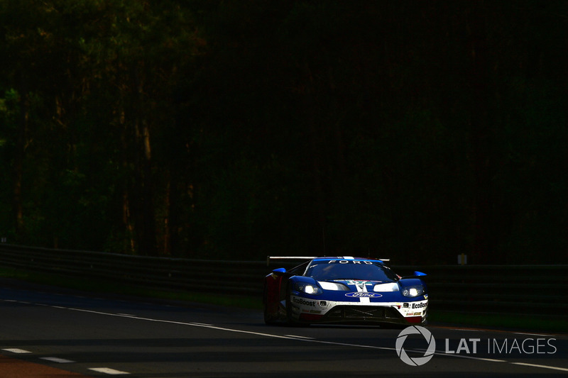 41: #67 Ford Chip Ganassi Racing Ford GT: Andy Priaulx, Harry Tincknell, Tony Kanaan, 3'50.429