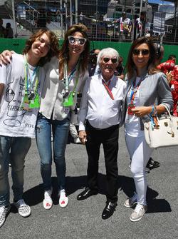 Bernie Ecclestone, et des invités