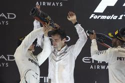 Podium: Second place Lewis Hamilton, Mercedes AMG F1, Race winner Valtteri Bottas, Mercedes AMG F1