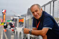 جورجيو بيولا في خطّ حظائر الفورمولا واحد