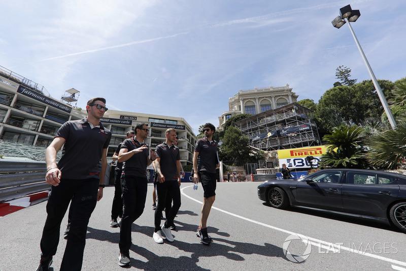 Kevin Magnussen, Haas F1 Team, lors de la reconnaissance de piste