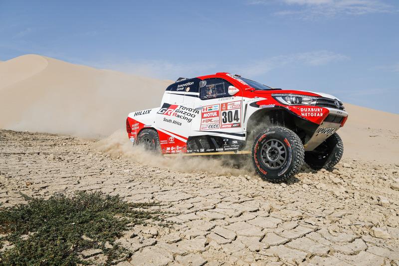 #304 Toyota Gazoo Racing Toyota Hilux: Жінель де Вільєр, Дірк фон Цітцевітц
