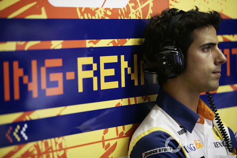 Не существовало тогда (даже в планах) и Формулы Е, а одна из ее нынешних главных звезд Лукас ди Грасси гонялся в GP2 и прозябал в роли резервиста Renault F1
