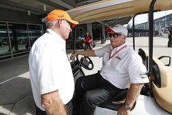 Mike Hull und Roger Penske