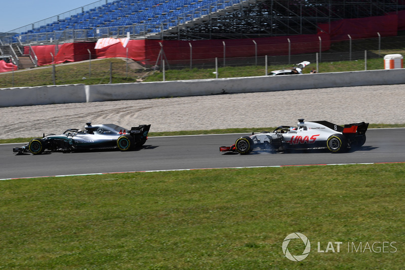 Lewis Hamilton, Mercedes-AMG F1 W09 ve Romain Grosjean, Haas F1 Team VF-18