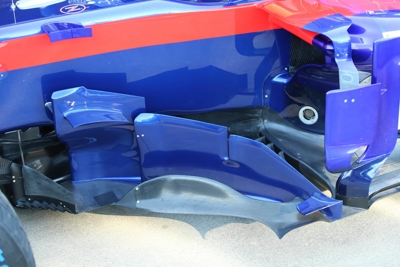 Bargeboards del Toro Rosso STR13 bargeboards