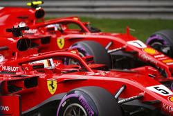 Обладатель поула Себастьян Феттель, второе место – Кими Райкконен, Ferrari SF71H