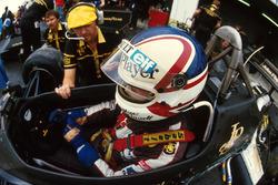 Nigel Mansell, Lotus 95T e Steve Hallam, ingegnere Lotus