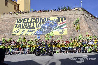 La parade de Valentino Rossi à Tavullia