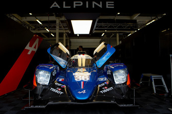 #36 Signatech Alpine Matmut Alpine A470: Nicolas Lapierre, André Negrão, Pierre Thiriet