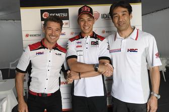 Lucio Cecchinello, LCR Honda Team Principal, Takaaki Nakagami, LCR Honda, Tetsuhiro Kuwata, HRC Director
