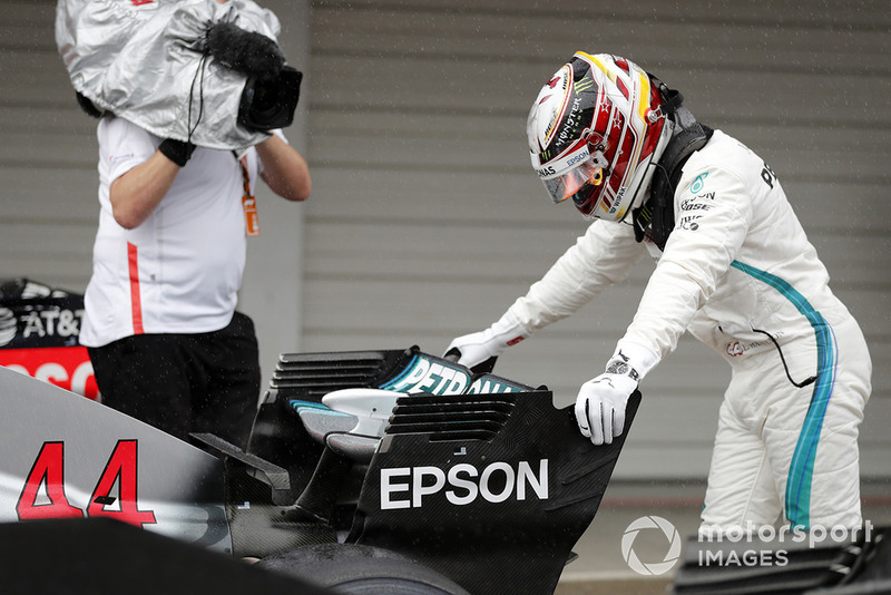 Pole sitter Lewis Hamilton, Mercedes AMG F1 W09