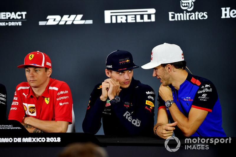 Kimi Raikkonen, Ferrari, Max Verstappen, Red Bull Racing et Pierre Gasly, Scuderia Toro Rosso, lors de la conférence de presse