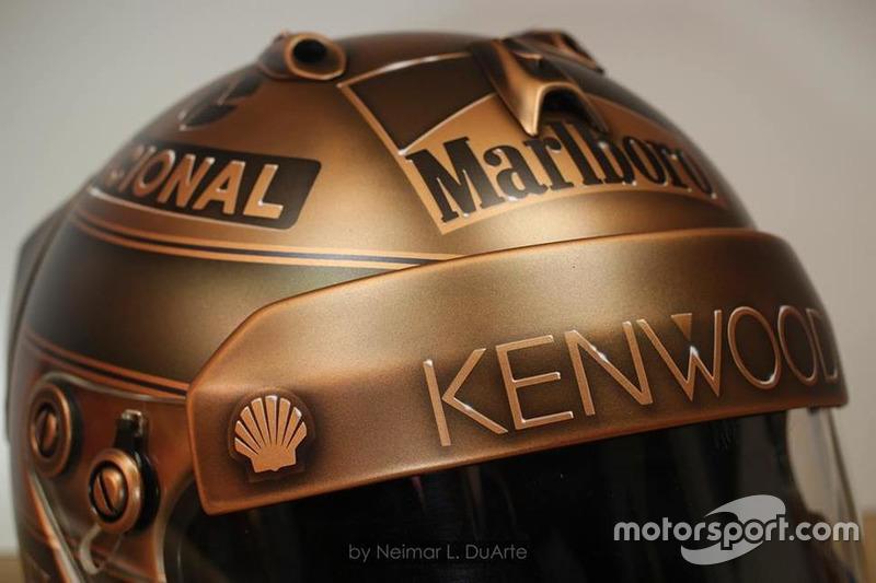 Capacete Ayrton Senna em bronze por Neimar Duarte