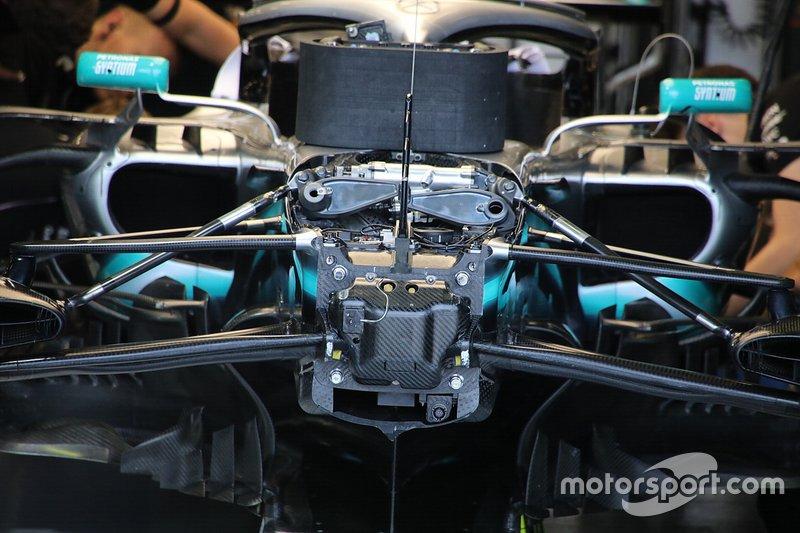 Mercedes AMG F1 W10 detalle de la nariz