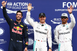 Poleman Nico Rosberg, Mercedes AMG F1, secondo qualificato Lewis Hamilton, Mercedes AMG F1, terzo qualificato Daniel Ricciardo, Red Bull Racing