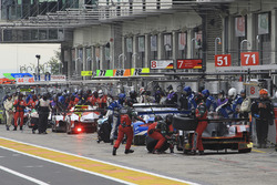 #7 Audi Sport Team Joest Audi R18: Марсель Фасслер, Андре Лоттерер