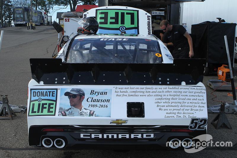 Un tributo a Bryan Clauson sull'auto di Joey Gase