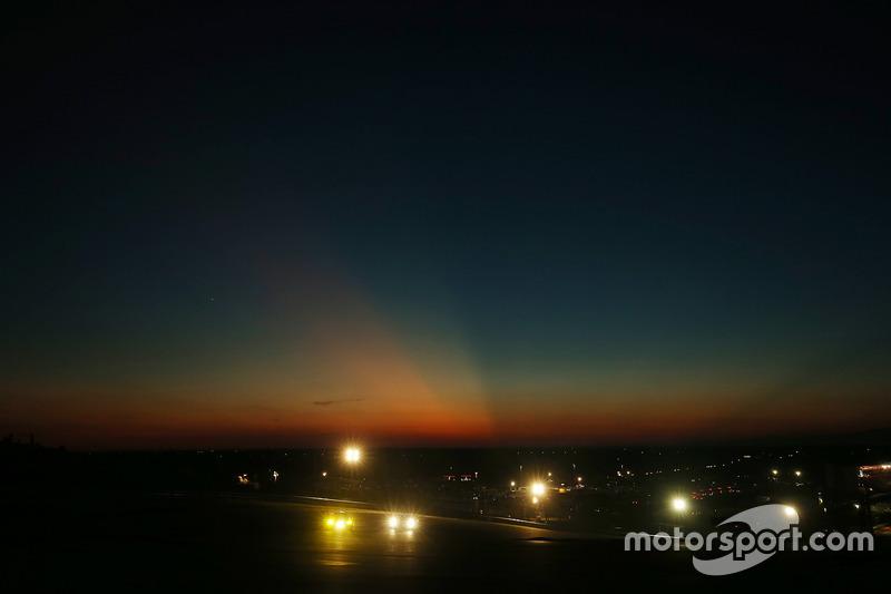 أحداث السباق فى المساء