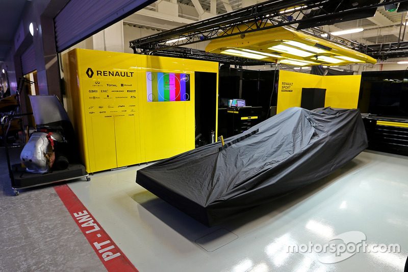 Box: Renault F1 Team