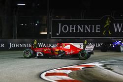La monoposto incidentata di Sebastian Vettel, Ferrari SF70H