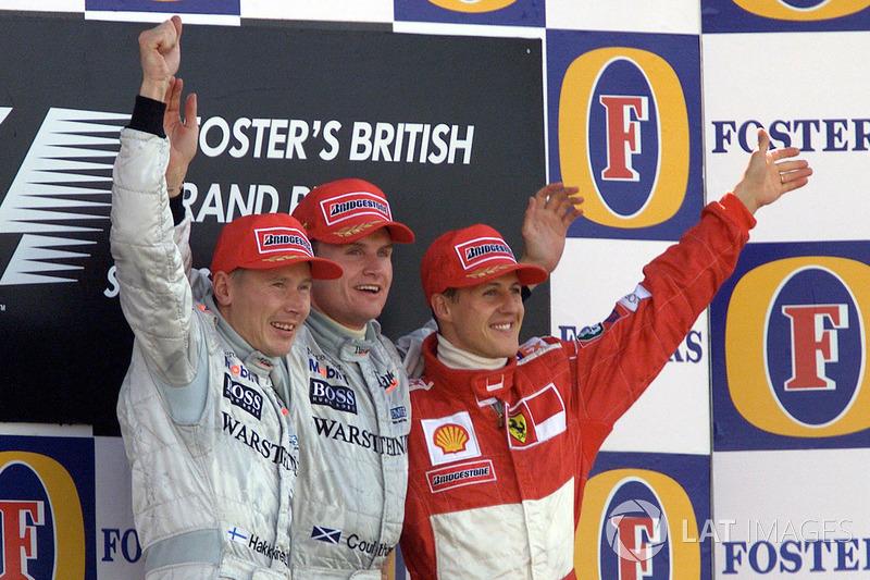 Podio de F1 en Silverstone 2000: 1. David Coulthard, 2. Mika Hakkinen, 3. Michael Schumacher