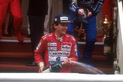 Podium: Ganador, Ayrton Senna, McLaren
