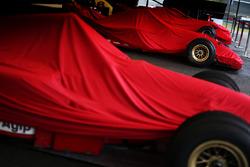 Машини Ferrari F1 під накривкою