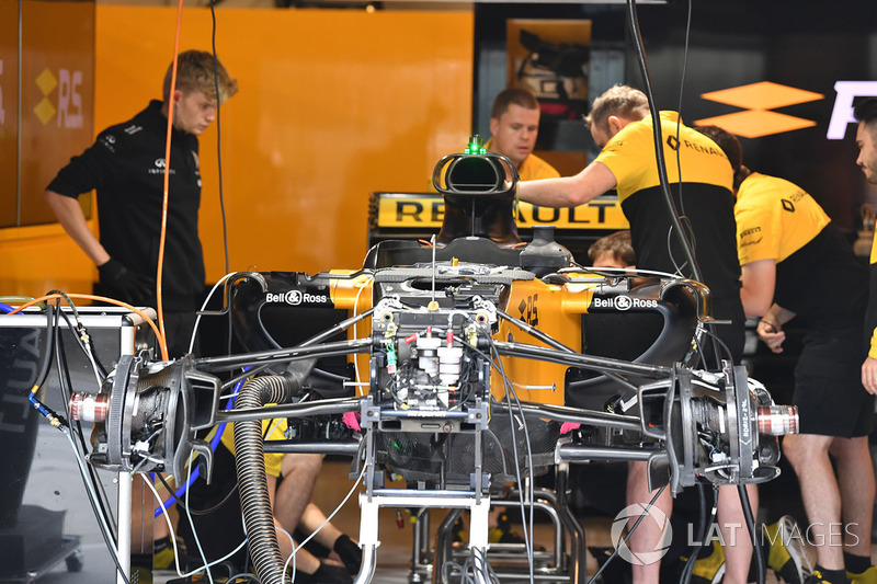 Renault Sport F1 Team RS17 in the garage