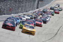 Kyle Larson, Chip Ganassi Racing, Chevrolet; Austin Dillon, Richard Childress Racing, Chevrolet