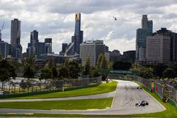 Carlos Sainz Jr., Scuderia Toro Rosso STR12 y Sergio Pérez, Force India VJM10