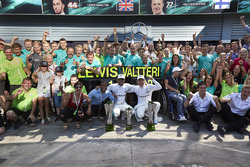 Race winner Lewis Hamilton, Mercedes AMG F1, Second place Valtteri Bottas, Mercedes AMG F1, the Mercedes team celebrate victory