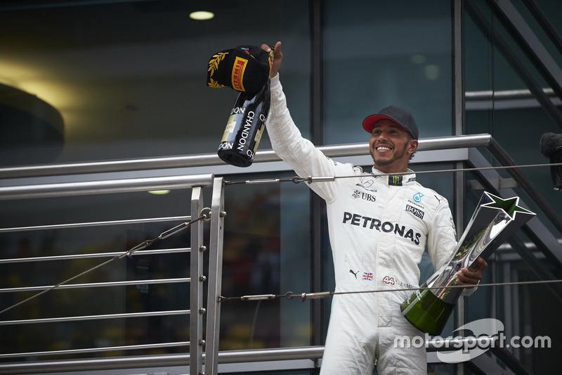 2. Lewis Hamilton: 106 podios (55,79%)