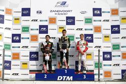 Подіум новачків: переможець Ландо Норріс (Carlin, Dallara F317 Volkswagen), другий призер Джоуі Моусон (Van Amersfoort, Dallara F317 Mercedes), третій призер Мік шумахер (Prema, Dallara F317 Mercedes)