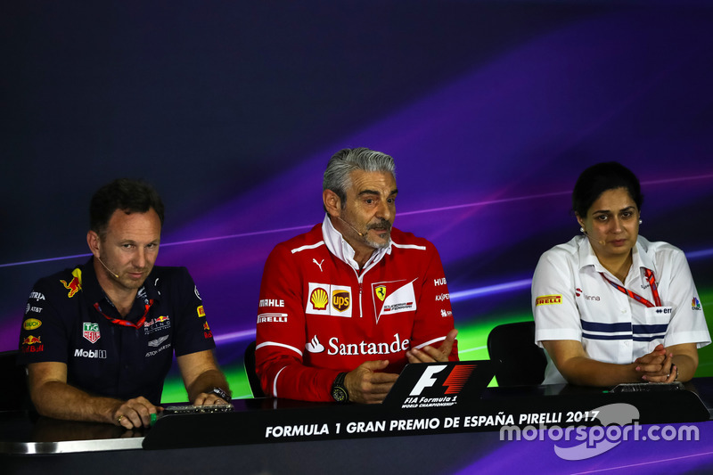 Руководитель Red Bull Racing Кристиан Хорнер, руководитель Ferrari Маурицио Арривабене руководитель Sauber Мониша Кальтенборн