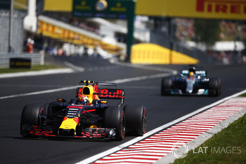 Max Verstappen, Red Bull Racing RB13, Lewis Hamilton, Mercedes AMG F1 W08