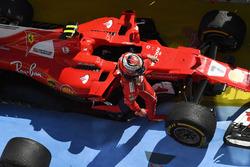 Kimi Raikkonen, Ferrari SF70-H nel parco chiuso