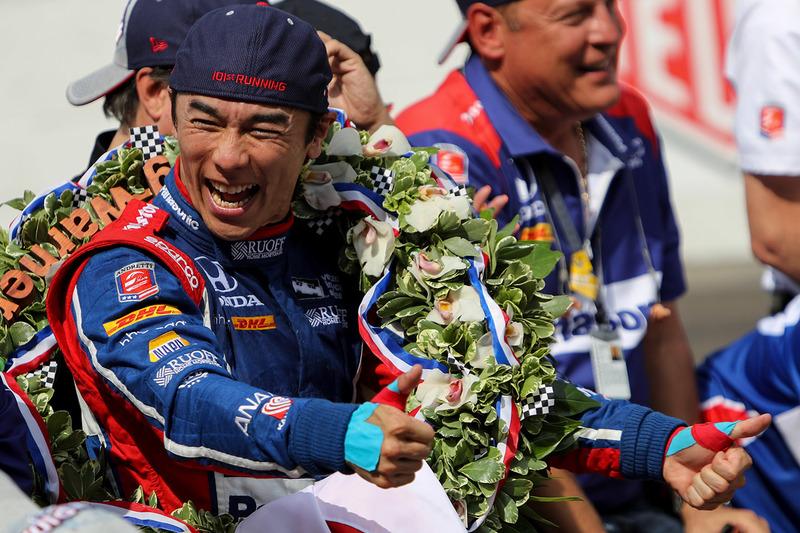 Indy 500: сенсационный успех Сато